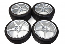 Ferrari 458 set of wheels with tires 20'' 262949, 262950