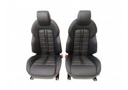 Ferrari F151 FF Daytona Seats black with red stitching