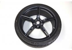 Ferrari 458 Speciale Felgen mit Reifen vorne 20 Zoll 300468